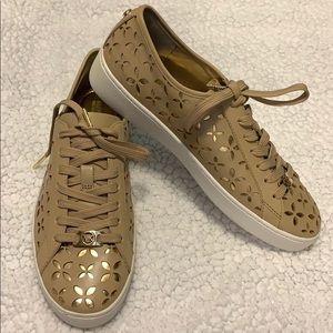 Micheal Kors Keaton Floral lace up sneakers